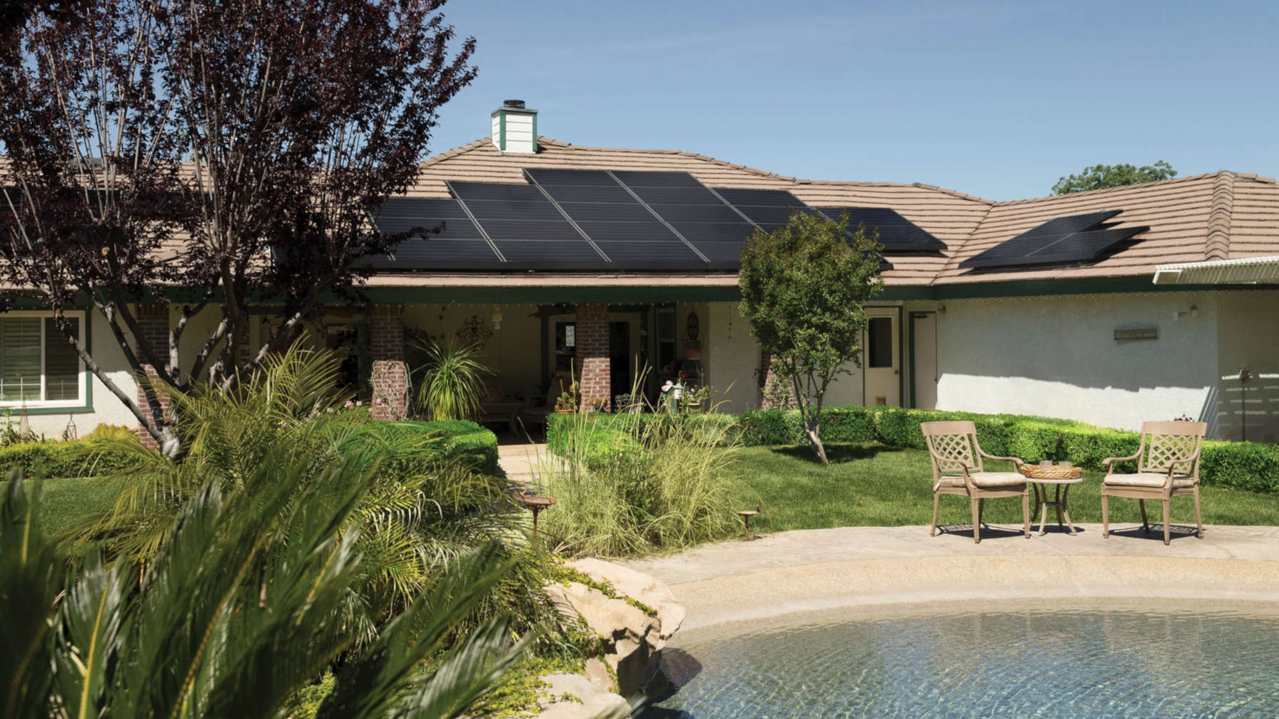 What are the advantages of photovoltaic systems?